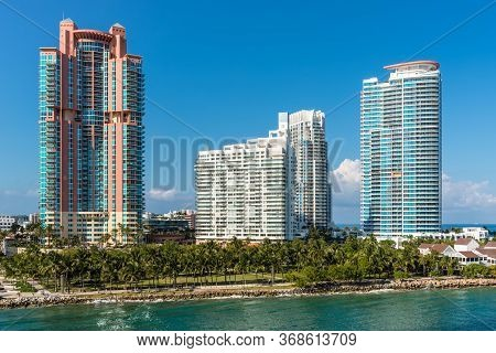 Miami, Fl, United States - April 28, 2019: Luxury High-rise Condominiums On The Florida Intra-coasta