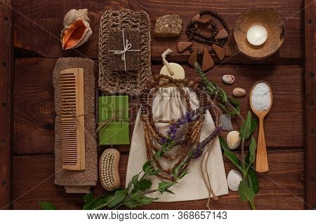 Spa Wellness Concept, Natural Coffee Scrub, Conifer Soap In Eco Bag, Coconut Shell Candle, Peeling A
