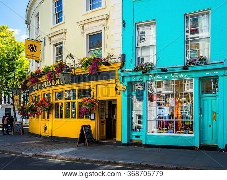 London, U.k, Aug 2019, Exterior Of The `sun In Splendour` Pub Next To Beatrice Von Tresckow Shop In