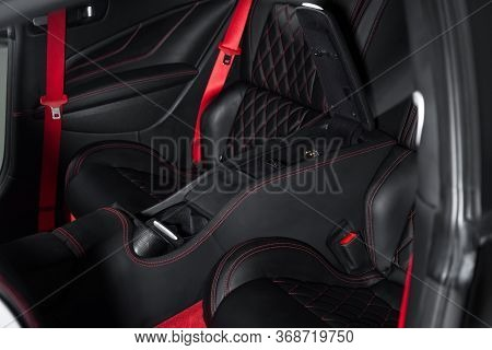 Central Tube, Sports, Car, Automotive, Automobile, Vehicle, Interior, Inside, Black, Red, Expensive,