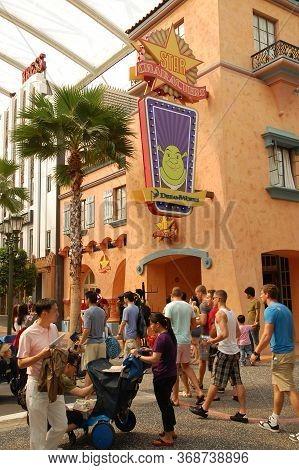 Sentosa, Sg - April 5 - Universal Studios Singapore Star Characters Facade On April 5, 2012 In Sento