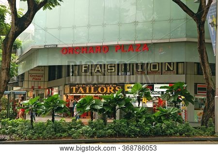 Orchard, Sg - Apr 6 - Orchard Plaza Mall Facade On April 6, 2012 In Orchard, Singapore.