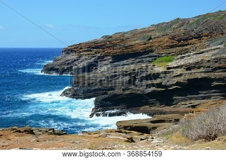 Sunny Picturesque Seascape From The Iconic Halona Blowhole Lookout, Along The Windward/east Coast Of
