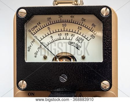 Count Per Minute Scale And Microsievert Per Hour Scale On Dial Display Of Radiation Survey Meter
