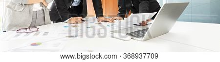 Business People Team Brainstorm And Discuss In Meeting. Businessman And Businesswomen Partner Workin