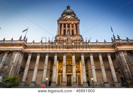 leeds townhall front view