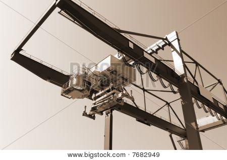 Containers crane