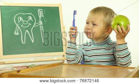 funny kid teaches dental hygiene