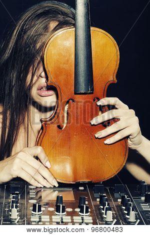 Pretty Dj Woman With Violin