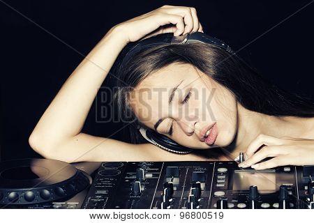 Sexy Disk Jockey Girl