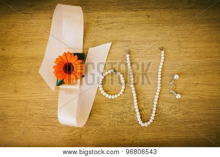 Word Love Made By Bridal Wedding Accessories