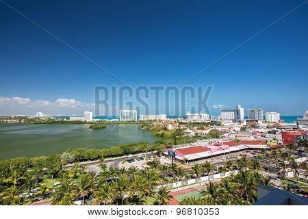 Zone Hotelera, Lagoon View