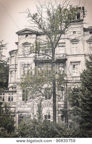 Old  Ruinous House In Berlin Kreuzberg