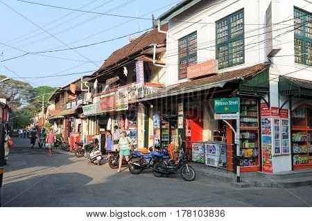 Tourists Shopping On The Shops Of Fort Cochin