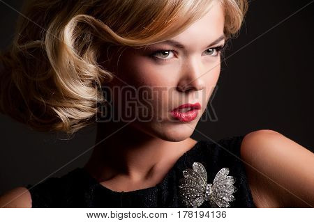 portret of a beautiful young fashion girl