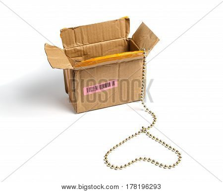 Open cardboard packaging and a gold chain in a heart shape