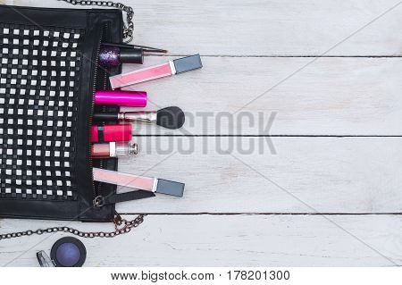 styled feminine desktop - flat lay items on white wooden background copy space top view