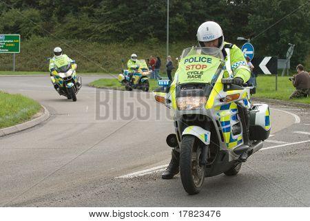 Telford, Großbritannien, September 10: Tour durch Großbritannien Zyklus Rennen Polizei stop the Trafficking wie die Fahrer kommen