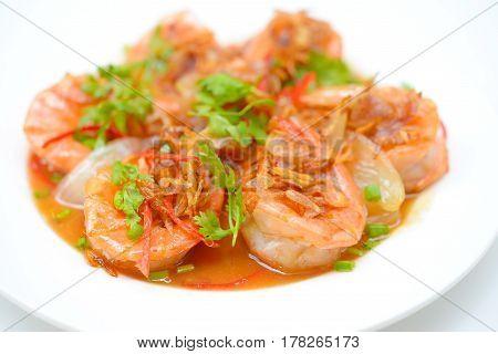 Deep Fried Shrimp with Tamarind Sauce on plate