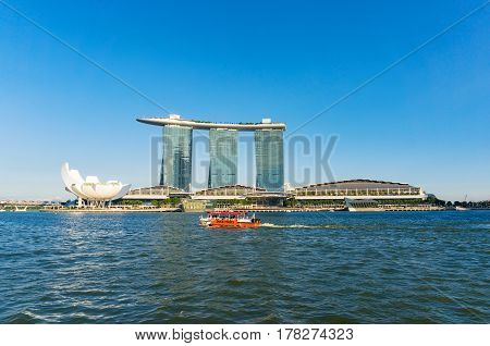 Duck Tour Amphibious Boat, Marina Bay Sands On Sunny Day