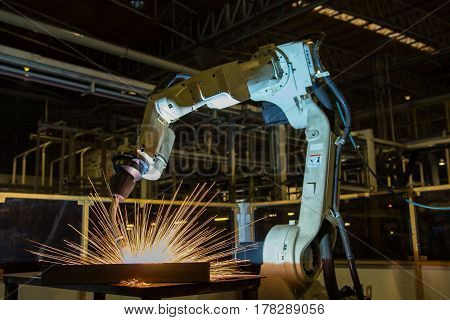 Industrial robot is test run robot welding