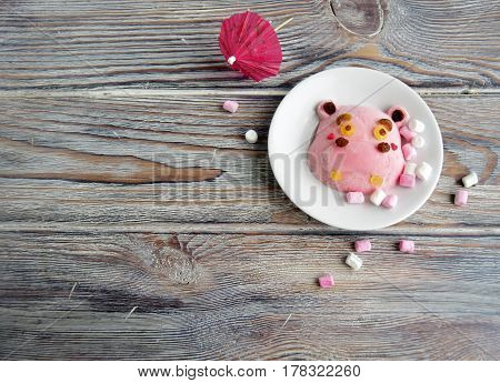 The hippopotamus is made of ice cream . A creative dessert for children and good mood.