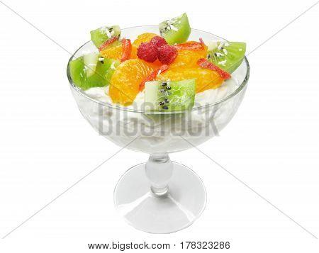 kiwi dessert with orange and wild strawberry