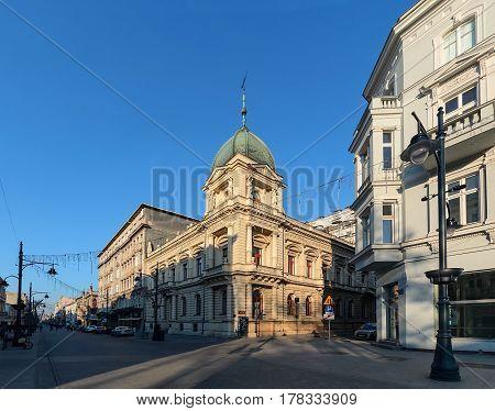 Piotrkowska Street in Lodz Poland day foto. Main shopping street.