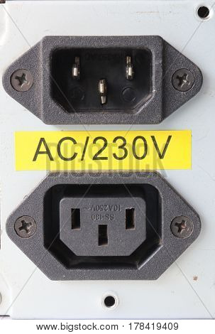 220 volt power inlet and outlet for power supply