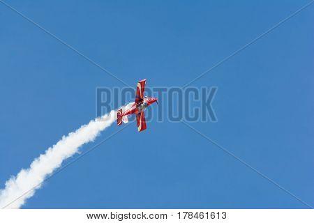 Rob Harrison The Tumbling Bear Is Flying An A Zlin 142