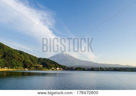 Mount fuji and blue sky at kawaguchiko lake japan
