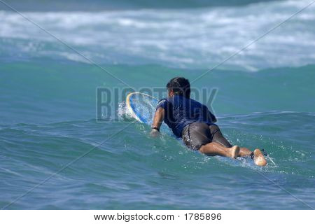 Paddling Out 02