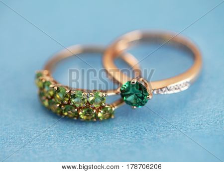 Elegant Jewelry Rings With Gem Stone Emerald