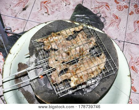 Rinse thoroughly then cut pork Do not mix the ingredients and then some more. Refrigerate 1-2 days gradually bring out skewers grill or a formula he sticks to it and then soak feet in three days then take it out. Soak feet to make tender pork cooked in ve