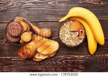 Bananas, muesli, bread and cookies. Victory over overweight.