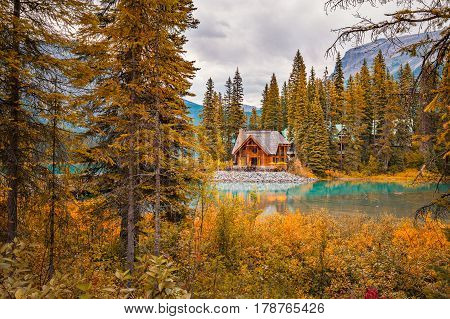 Emerald Lake Lodge in Yoho National Park, BC surrounded by beautiful autumnal colours.