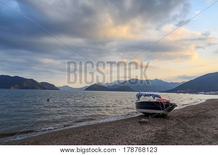 speed boat in marmaris beach with mountains