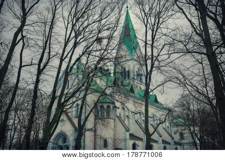 Kirch memory of Queen Louisa - a historic building in Kaliningrad, one of the attractions of the city. The Church was built in memory of Queen Louise of Prussia. In the past Lutheran Church