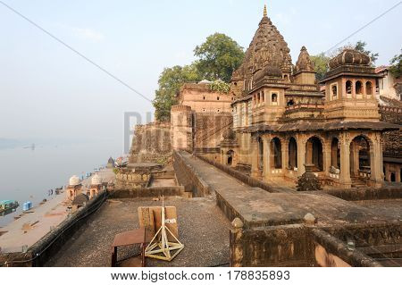 Temple Palace Of Maheshwar On India