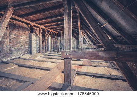 Old Garret, Attic Loft / Roof Construction