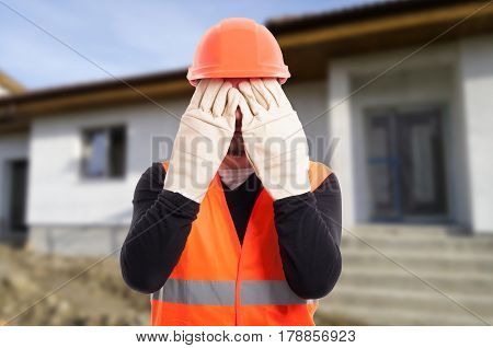 See No Evil Sign Made By Male Builder