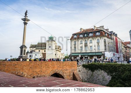 WARSAW, POLAND - SEPTEMBER 27: View of the Castle Square and Sigismund's Column in Old Town of Warsaw, Poland on September 27, 2016