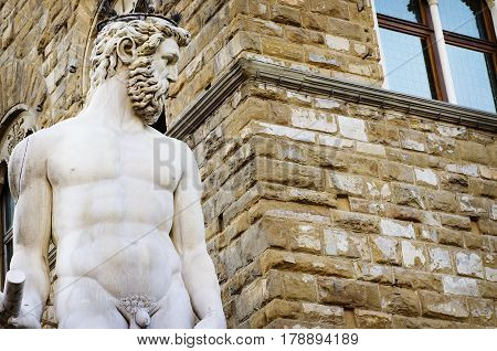 Hercules and Cacus Sculpture in Piazza della Signoria in Florence, Italy. Made 1530-1534 by the sculptor Baccio Bandinelli.