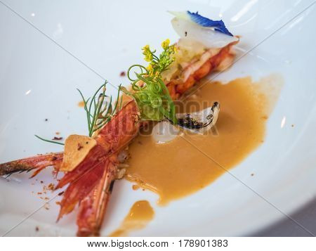 Red prawn with onion and prawn sauce