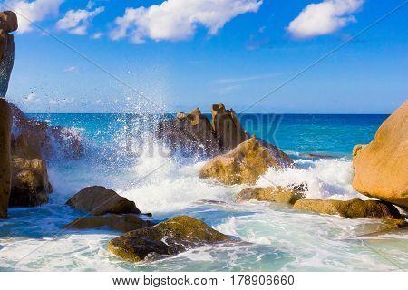 Getaway Waves Foam