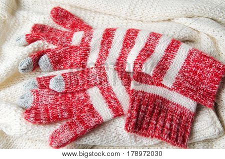 Winter Touchscreen Gloves And Wool Sweater
