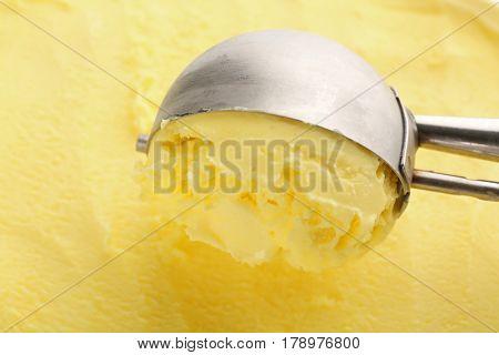 Scooping ice cream, closeup