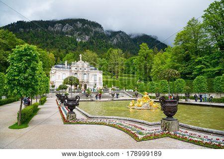 Beautiful Linderhof Palace And Fountain. Ettal, Bavaria, Germany.