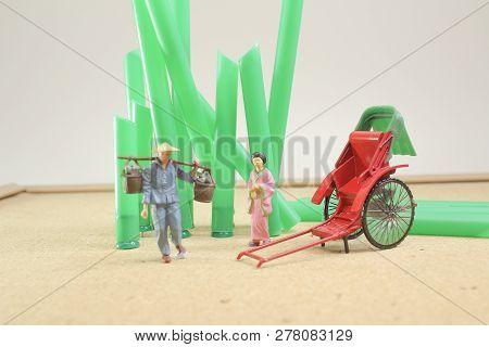 Mini Statue Red Vintage Oriental Rickshaw Cab