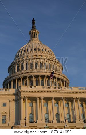 Strong United States Capitol Building, Us Congress, Washington Dc, Usa